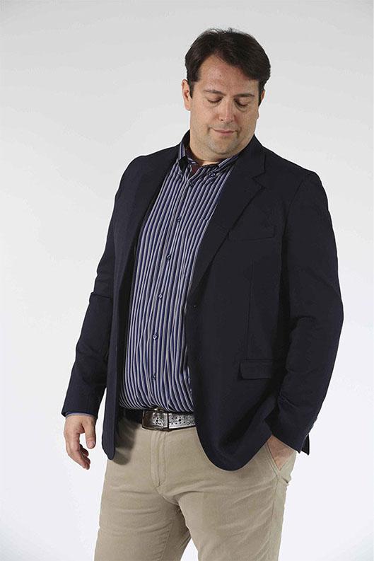 Taglie forti uomo. Amiamo offrire sempre il meglio per ogni tipo di outfit e lo facciamo prestando particolare attenzione a tutte le caratteristiche. La qualità del capo, la sua funzionalità e la sua comodità sono gli elementi su cui si basa la nostra selezione di abbigliamento moda uomo.